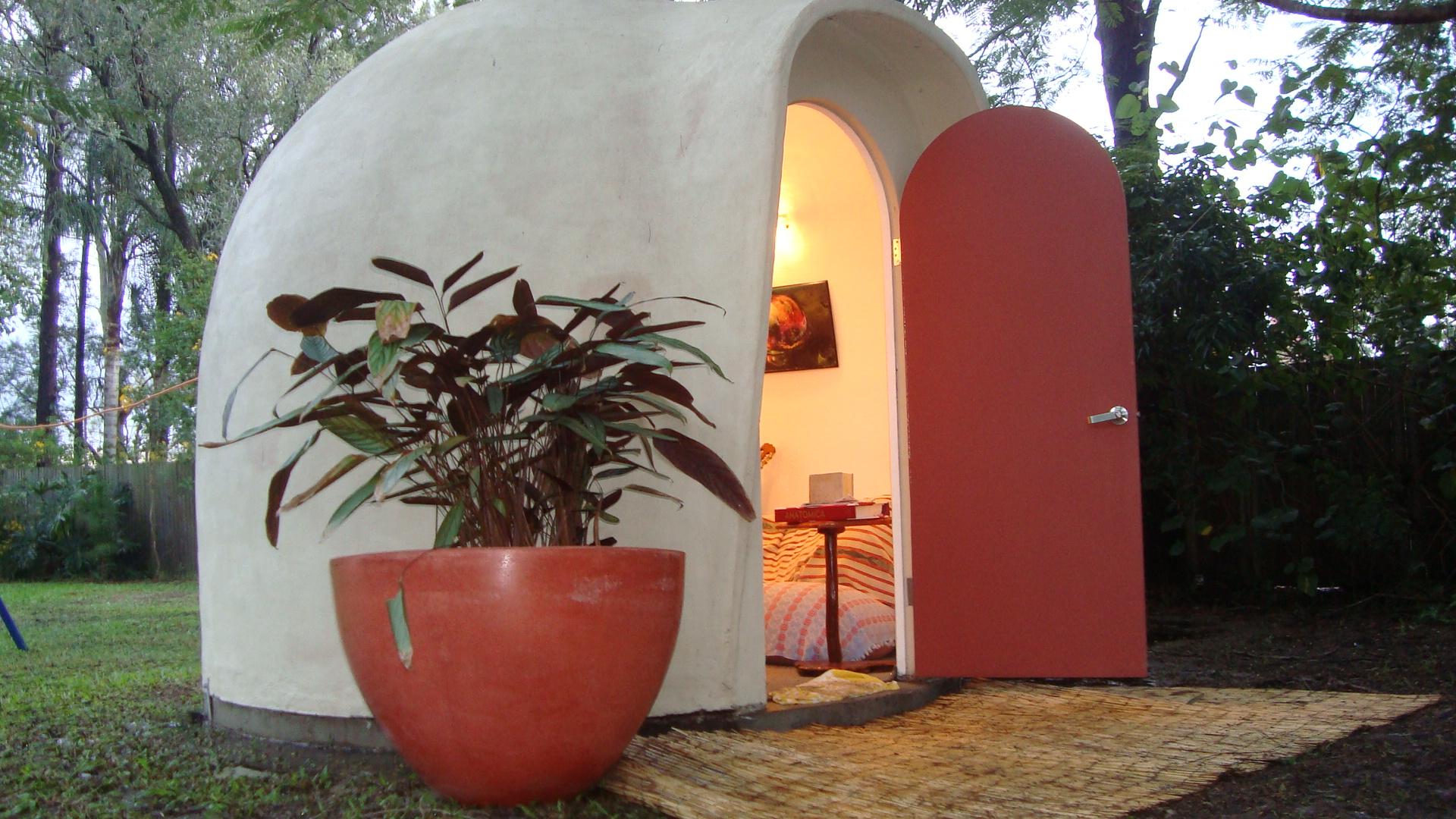 3.0m dia. (7m2) Dome garden room studio
